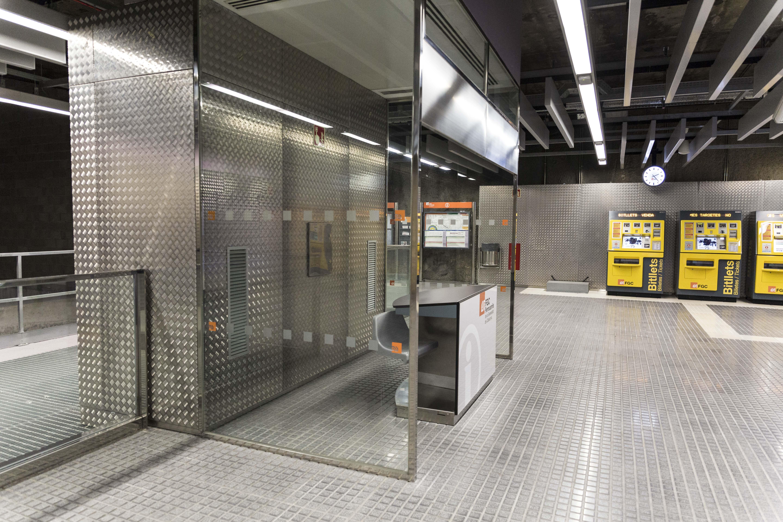 Edículos. Estaciones FGC Ferrocarrils Generalitat